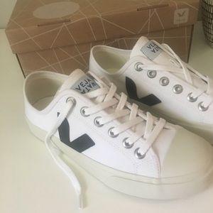 Veja Wata Vegan canvas sneakers-brand new